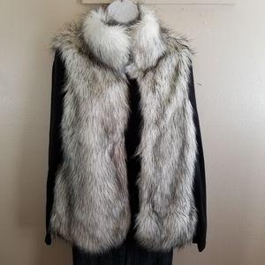 PINK USA faux fur vest size M Medium